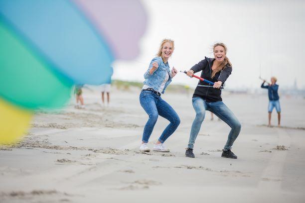 Blowkarten, blokarten ofwel strandzeilen is een spectaculaire strandactiviteit voor uw bedrijfsuitje, teamuitje, vrijgezllenfeestje of dagje uit